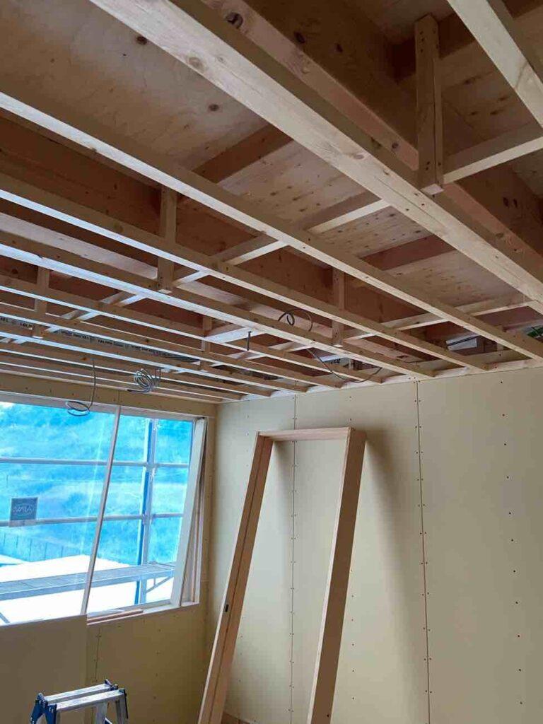 山百合の丘の家|室内の大工工事が進んでいます