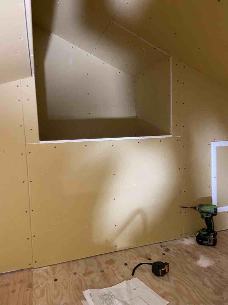 野洲市「野洲の家」小屋裏・外壁・フローリング養生・構造の進捗